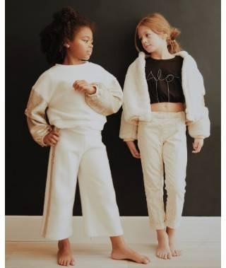 Composición niñas ropa otoñal