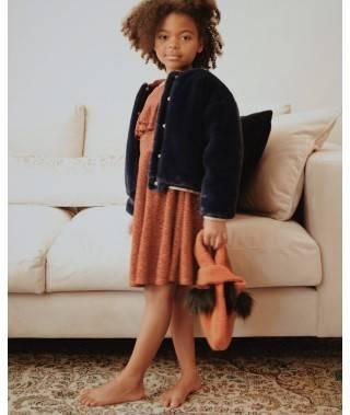 Composición niña vestido