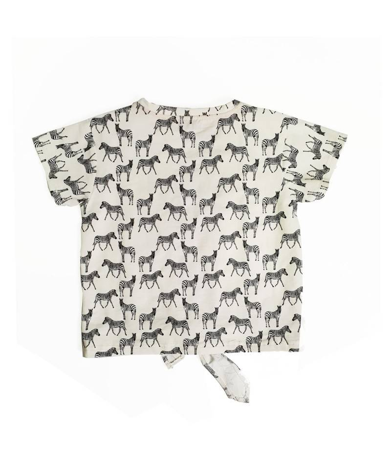 Moda infantil, camiseta de niña manga corta cebra